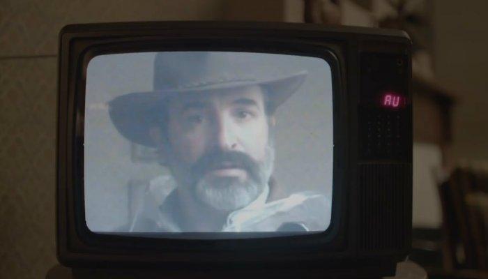 Deerskin, novo filme estranho de Quentin Dupieux, diretor de Rubber O Pneu Assassino